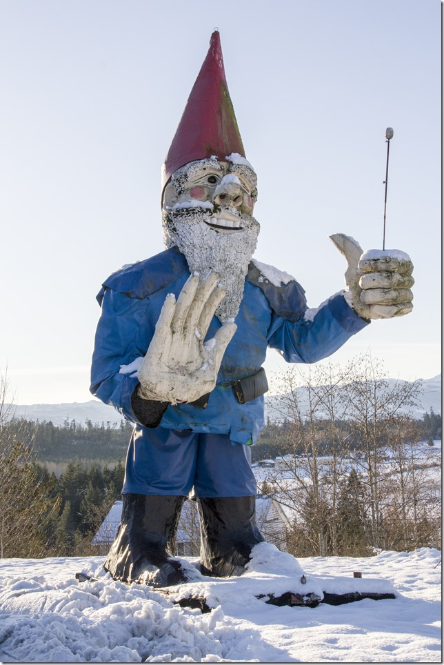 Highway 19,snow,fall,Parksville,Nanoose,giant gnome,landmarks